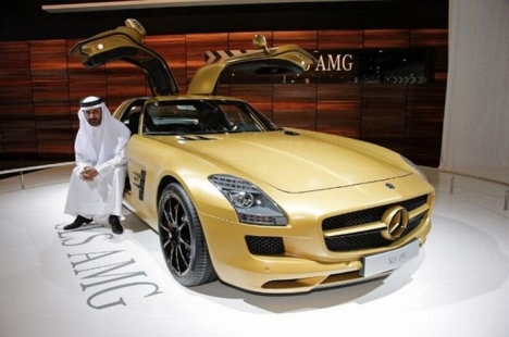 Mercedes-Benz SLS AMG Gold