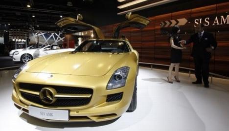 Mercedes-Benz SLS AMG Gold 2